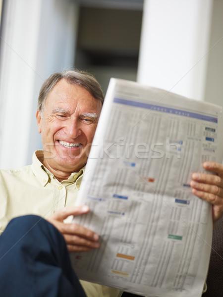 Kıdemli adam okuma stok erkekler finanse Stok fotoğraf © diego_cervo