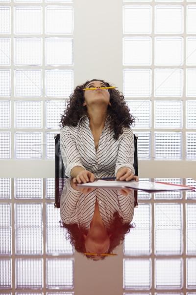 Vervelen vrouw spelen potlood werk Stockfoto © diego_cervo