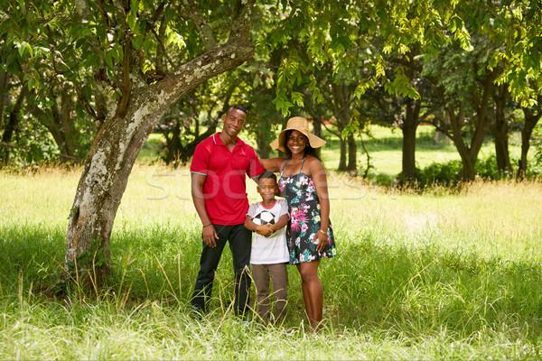 Stockfoto: Moeder · vader · kind · glimlachend · camera · voetbal