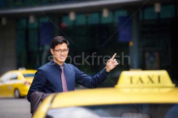азиатских бизнесмен призыв такси автомобилей работу Сток-фото © diego_cervo