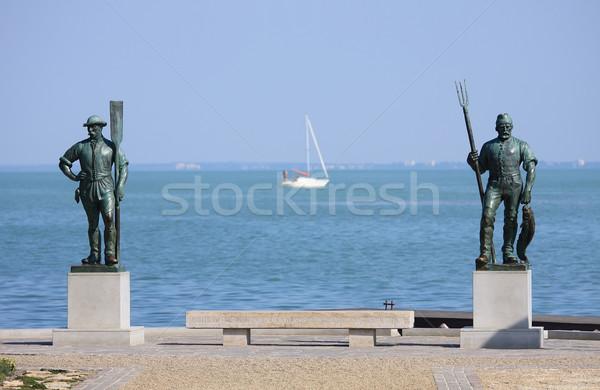 Balaton vieux hongrois pêcheur sculpture rive Photo stock © digoarpi
