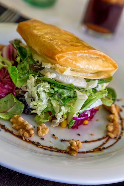 Salade geitenkaas restaurant voedsel tabel kaas Stockfoto © digoarpi