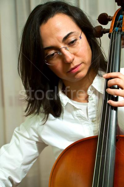 Kız viyolonsel güzel genç kız kadın ışık Stok fotoğraf © digoarpi