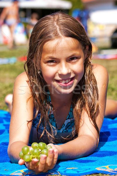 Nina hermosa bastante dama vid Foto stock © digoarpi