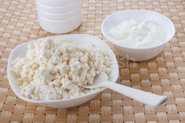 Túró tejföl fehér tálak konyha farm Stock fotó © DimaP