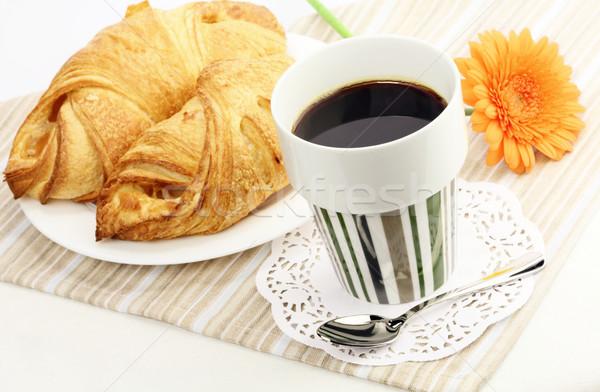 Matin café fraîches croissants fleur alimentaire Photo stock © Dinga
