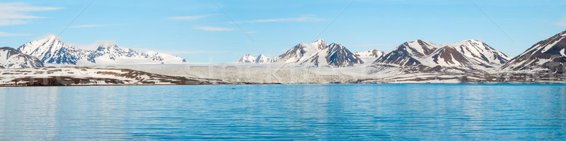 Panoráma gleccser fölött tenger hegyek mögött Stock fotó © dinozzaver