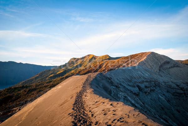 Rand vulkanisch krater Indonesië java hemel Stockfoto © dinozzaver