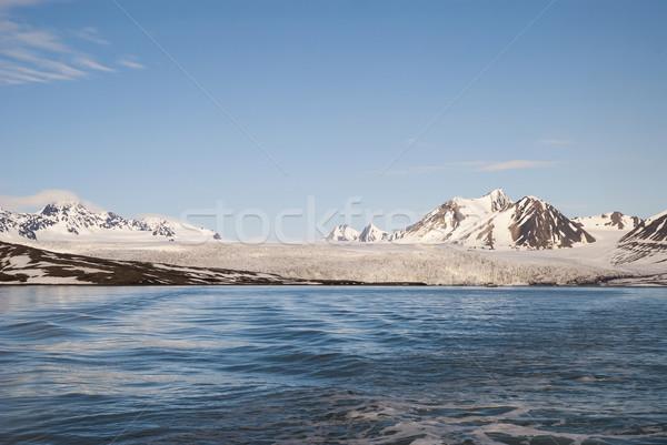 ледник морем гор за Арктика Сток-фото © dinozzaver