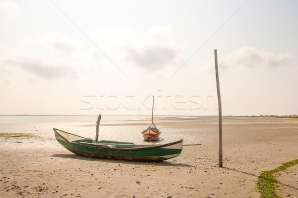 Plage faible marée traditionnel plage de sable Photo stock © dinozzaver