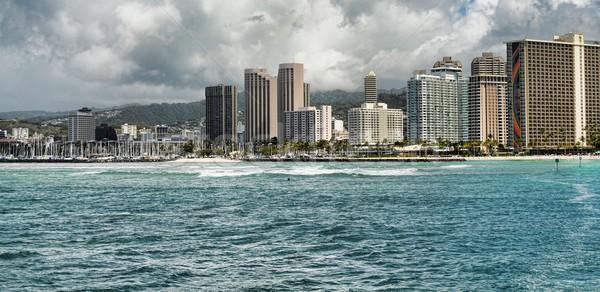 Honolulu város Hawaii Waikiki tengerpart fa Stock fotó © diomedes66
