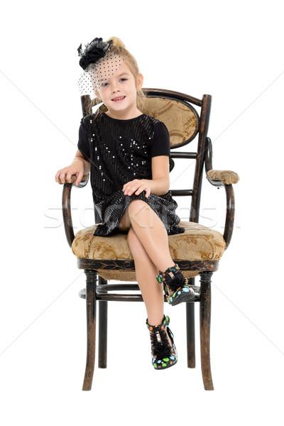 Little girl sessão antigo cadeira branco menina Foto stock © Discovod