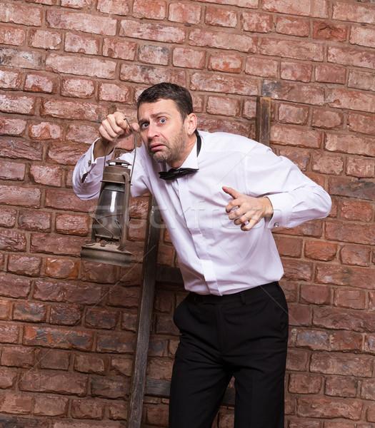 怖い 男 検索 石油ランプ レンガの壁 ストックフォト © Discovod