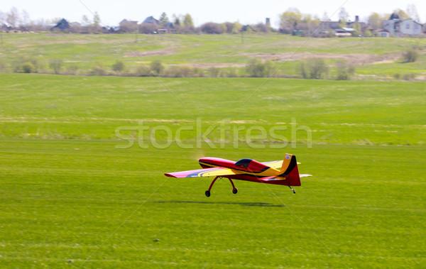 Model uçak çim çim alanı ışık radyo Stok fotoğraf © Discovod