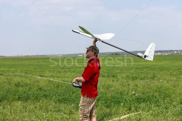 Homem céu blue sky grama modelo campo Foto stock © Discovod