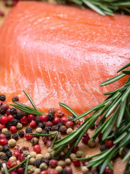 Pièce fraîches saumon épices bois Photo stock © Discovod