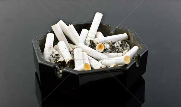 пепельница черный таблице здоровья дым подчеркнуть Сток-фото © Discovod