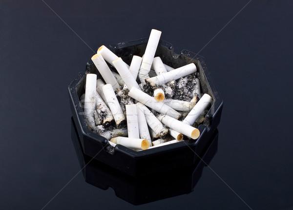 Posacenere nero tavola salute fumo stress Foto d'archivio © Discovod