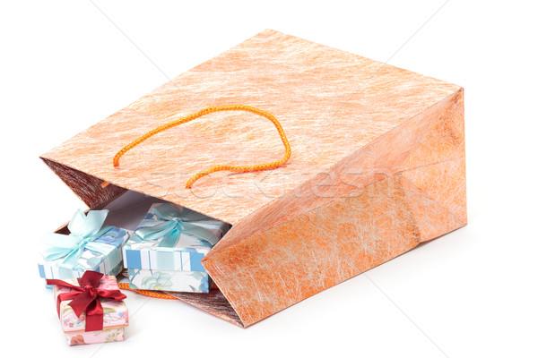 Bolsa de compras presentes foto dourado branco papel Foto stock © Discovod