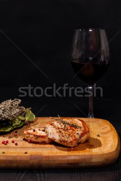 焼き ステーキ ガラス 赤ワイン 暗い ディナー ストックフォト © Discovod