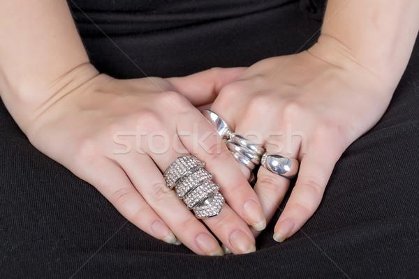 女性 着用 複数 リング クローズアップ 手 ストックフォト © Discovod