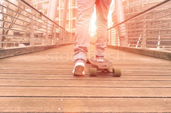 Facet działania drewna most łyżwiarz Zdjęcia stock © DisobeyArt