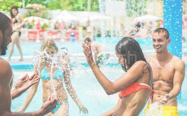 Mutlu arkadaşlar su su park Stok fotoğraf © DisobeyArt