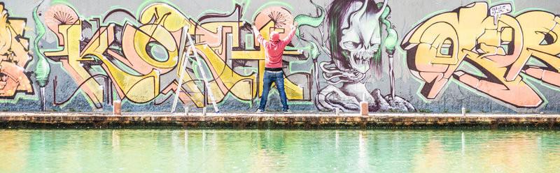 татуировка граффити писателя краской городского Сток-фото © DisobeyArt
