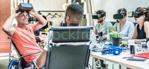 Trabajo en equipo virtual realidad gafas trabajo creativa Foto stock © DisobeyArt