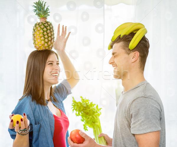 Mutlu çift ev sağlıklı gıda insanlar Stok fotoğraf © DisobeyArt