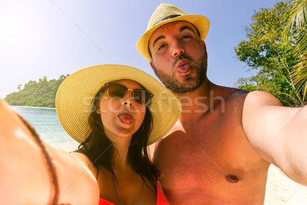 Güzel sevmek tropikal plaj turist Stok fotoğraf © DisobeyArt