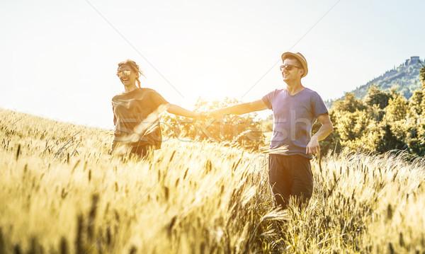 Boldog pár fut vidék tavasz évszak Stock fotó © DisobeyArt