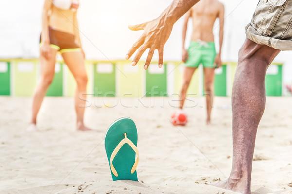 Stock foto: Rennen · Freunde · spielen · Fußball · Strand · Jugendlichen