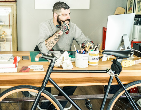 Dövme sanatçı içinde mürekkep stüdyo Stok fotoğraf © DisobeyArt