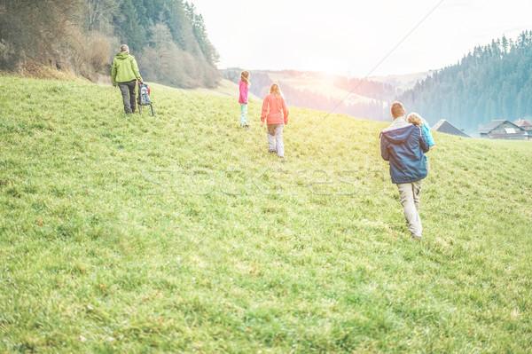 Rodziny spaceru dzień Szwajcaria Zdjęcia stock © DisobeyArt