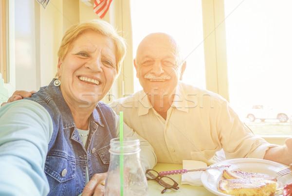 Boldog idős pár elvesz portré Egyesült Államok vakáció Stock fotó © DisobeyArt