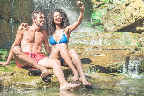 Mutlu çift portre kamera Stok fotoğraf © DisobeyArt