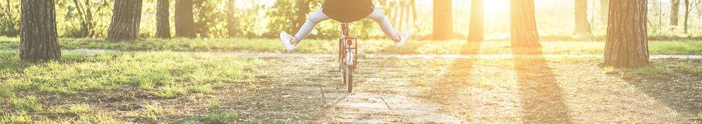 Foto stock: Mulher · jovem · velho · estilo · italiano · bicicleta · de · volta