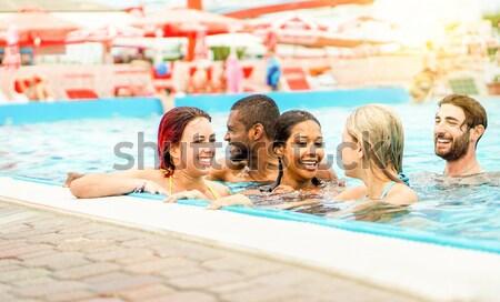 幸せ 友達 スイミングプール リゾート ホテル 休暇 ストックフォト © DisobeyArt