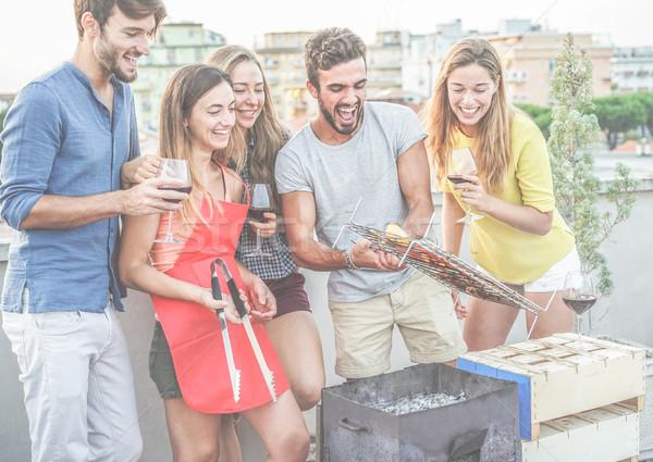 счастливым друзей Допрос питьевой вино барбекю Сток-фото © DisobeyArt