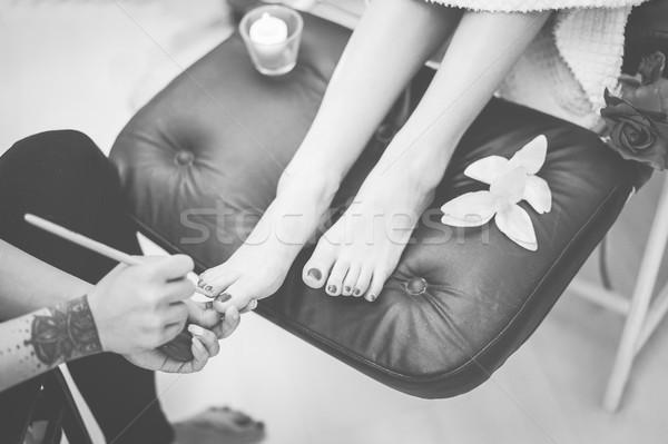 Tattoo schoonheid winkel spa werknemer schilderij Stockfoto © DisobeyArt