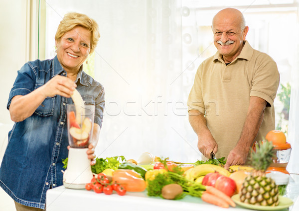 Zdjęcia stock: Starszy · para · wegetariański · śniadanie · bio · organiczny · składniki