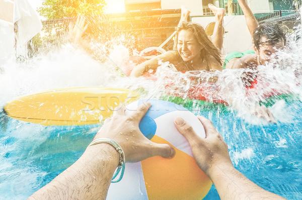 Stok fotoğraf: Grup · arkadaşlar · atlama · içinde · yüzme · havuzu · yaz