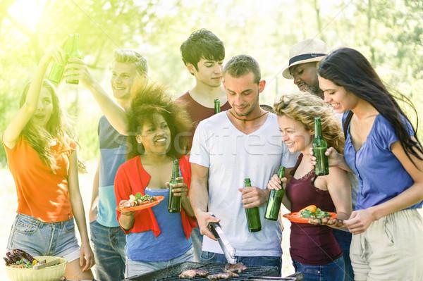 Stockfoto: Gelukkig · vrienden · park · barbecue · groep