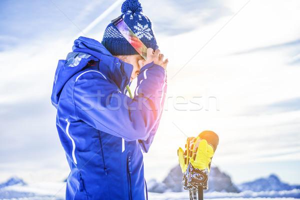Esquiador pronto alpes montanhas ao ar livre Foto stock © DisobeyArt