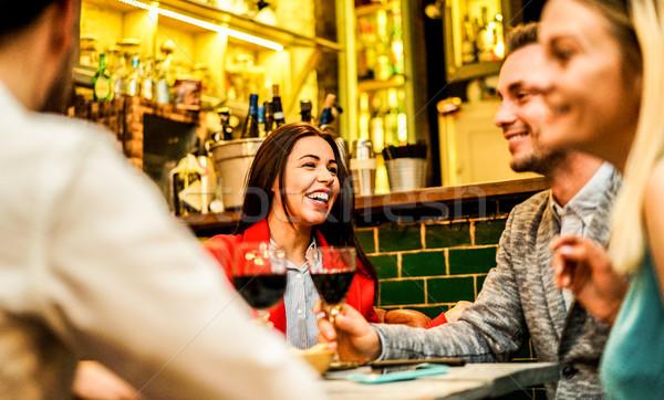 Felice amici ridere vino Foto d'archivio © DisobeyArt