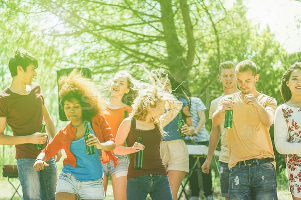 Jongeren dansen bos partij zomer tijd Stockfoto © DisobeyArt