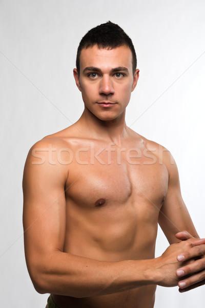 junger junge nackt