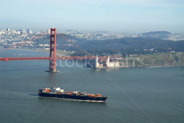 Navio porta-contentores Golden Gate Bridge San Francisco Califórnia água oceano Foto stock © disorderly