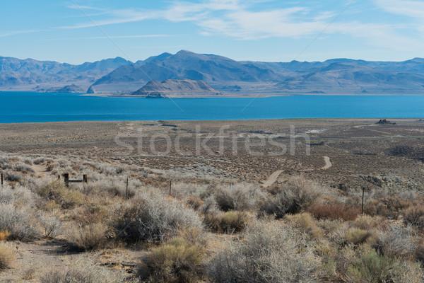 Piramis tó napos idő víz dombok higgadt Stock fotó © disorderly